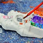 Plaster painting with Glitter