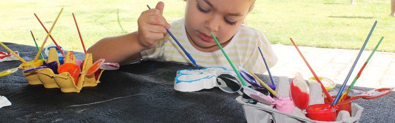 kids-play-crafts-slider-4